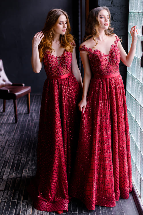 марсалові сукні для дружок