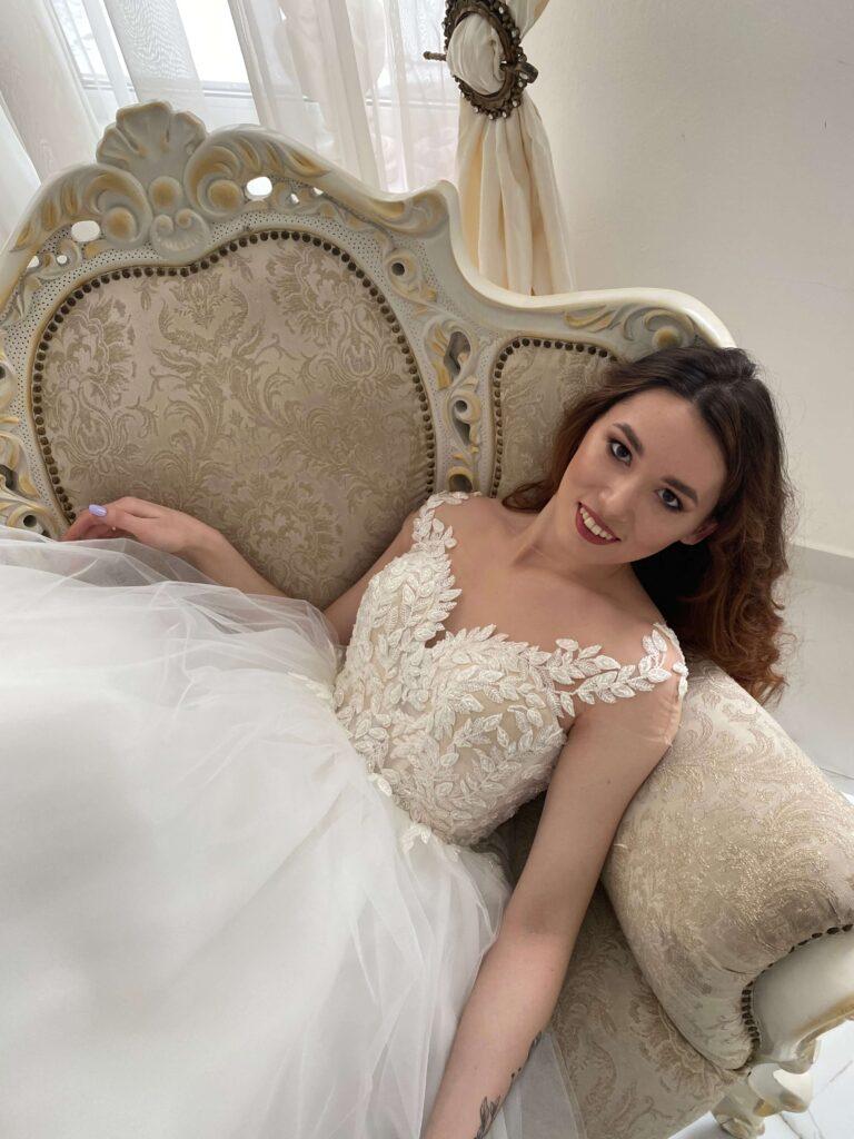 [:uk]пишне весільне плаття купити в Івано-Франківську[:]