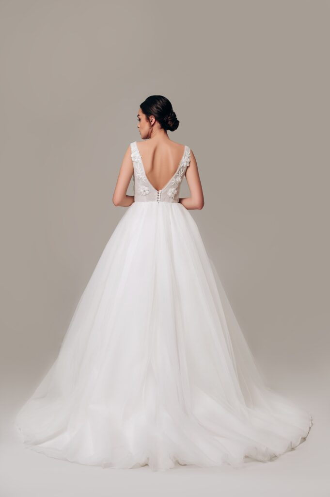 недорогі весільні плаття